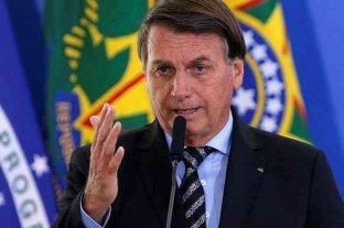 """Bolsonaro insultó a la prensa brasileña y mandó a """"callar la boca"""" a una periodista"""