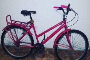 Le robaron la bicicleta a la Intendenta de Vera: ofrece recompensa