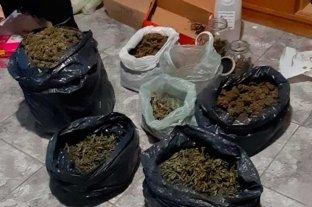 Casi 5 kilos de marihuana en  una vivienda de Santo Tomé - El estupefaciente hallado se encontraba dentro de bolsas de nylon.