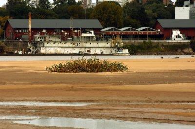 En Paraná moverán la bomba para mejorar la captación de agua en la Toma Nueva