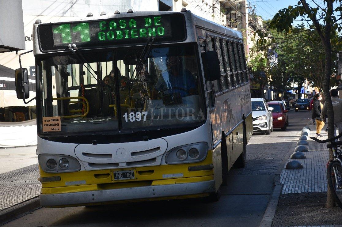 Declararán al transporte en emergencia y el boleto no aumentaría hasta noviembre -  -