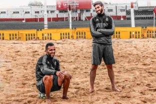 Fútbol playa: La selección argentina viaja a Brasil en busca de su pasaje a la Copa del Mundo