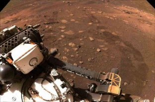 """El rover Perseverance descubrió en Marte sedimentos de un """"pasado acuático"""" en un crater"""