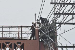 Drama en el Puente Colgante -  -