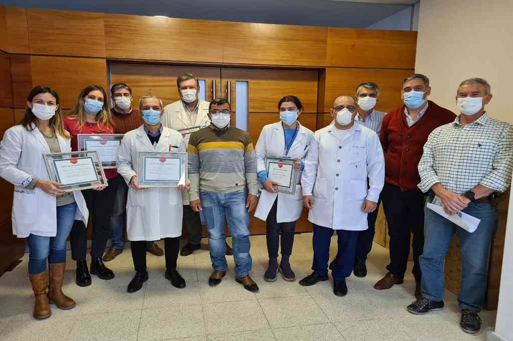 """El Consejo de Administración del Hospital """"J.B.Iturraspe"""" realizó la entrega de certificados en reconocimiento del labor y el compromiso diario de los trabajadores. Crédito: Gentileza"""