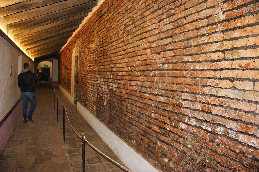 Así luce uno de los muros intervenidos. Crédito: Telam