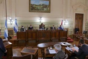 Es ley la eximición de Ingresos Brutos - La oposición buscaba agregar al proyecto aprobado  un perdón a punitorios e intereses para las facturas de energía eléctrica y agua, pero debió resignar esa pretensión en favor del consenso.   -