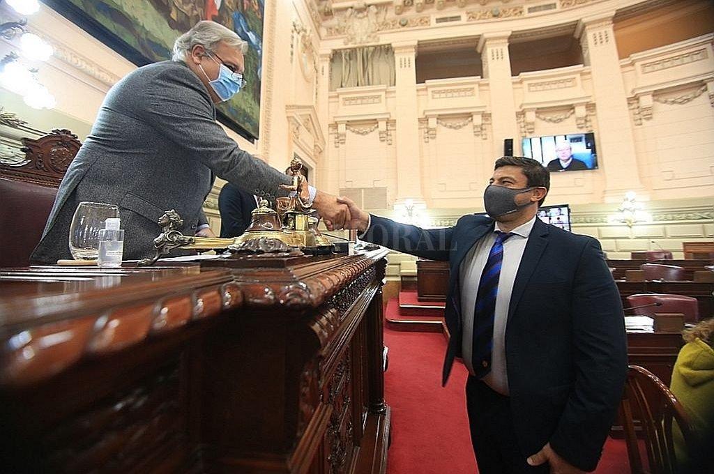 Dos meses después, Diputados completó su mesa de conducción. Ayer juró Gabriel Chumpitaz (Pro) como vicepresidente segundo.  Crédito: Cámara de Diputados