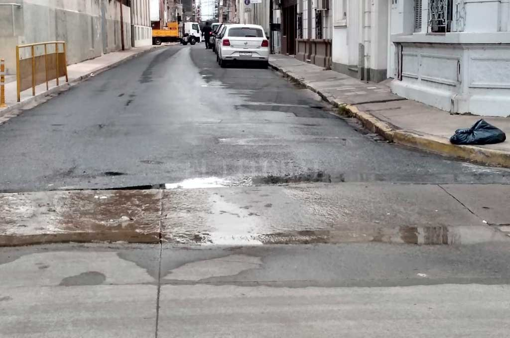 En la intersección de 25 de Mayo y 3 de Febrero, frente al Museo Etnográfico, se ubica la pérdida. Crédito: Gentileza