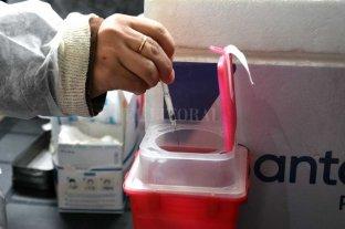 Vacunación covid: se generan unas 6  toneladas por mes de residuos peligrosos