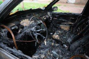 Quemaron un auto en el norte de la ciudad de Santa Fe