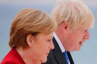 """Brexit: Merkel y Johnson acordaron relaciones """"bilaterales"""""""