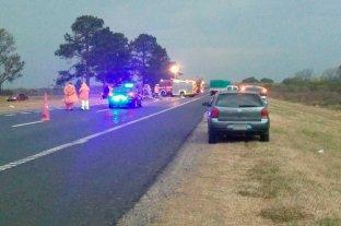 Dos muertos tras grave siniestro vial en la autopista Santa Fe - Rosario