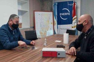 Reunión en Enerfe para avanzar con las obras de gas natural en San Jerónimo del Sauce