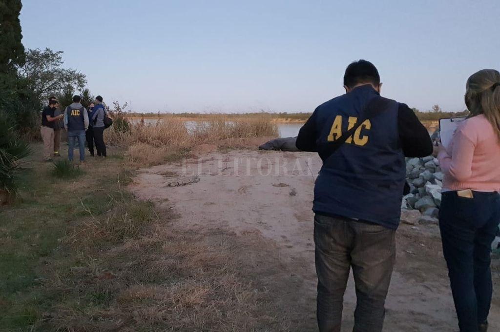 El hallazgo se produjo en calle Curupiés y río Coronda, esto es, en la zona de El Mate en jurisdicción de Sauce Viejo. Crédito: El Litoral