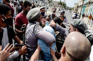Un muerto y varios heridos tras las históricas protestas en Cuba
