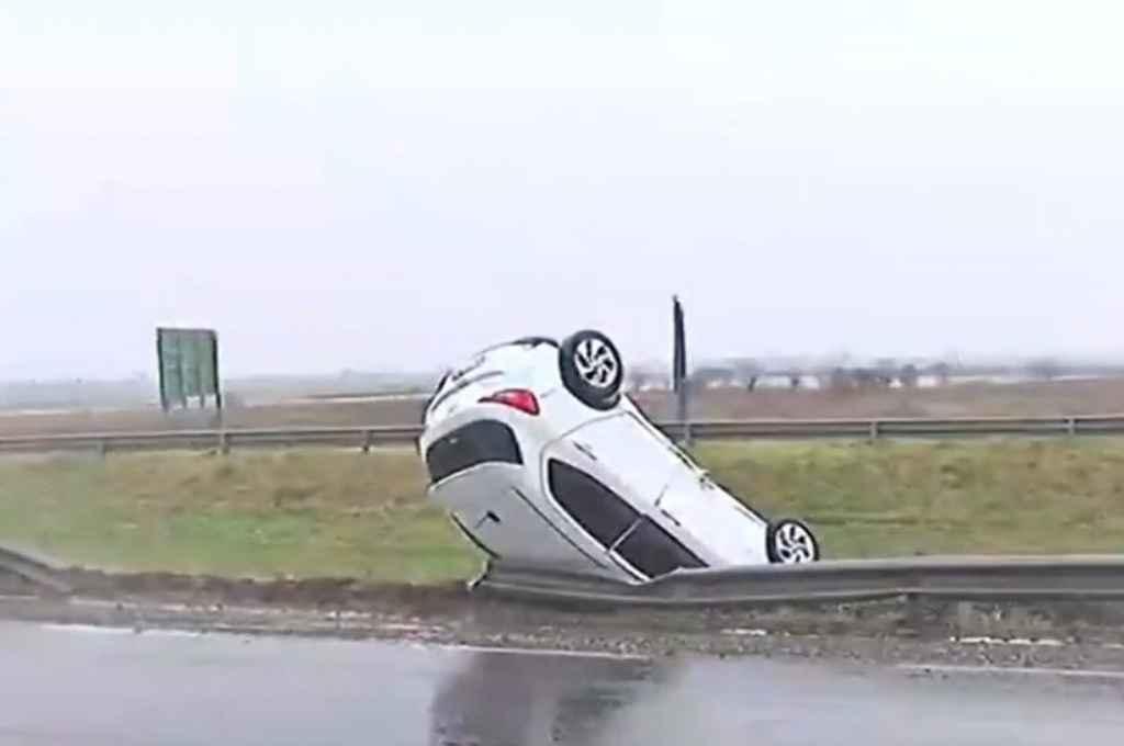 Así quedó el auto tras el siniestro.  Crédito: Gentileza