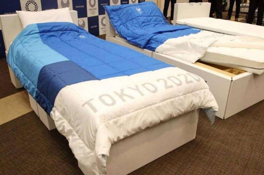 Las camas de cartón ya esperan en la Villa Olímpica de Tokio. Crédito: Captura digital