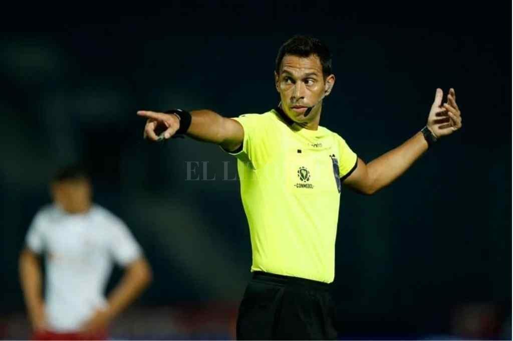 Facundo Tello, el árbitro argentino que dirigió el cruce entre Cerro Porteño y Flamengo Crédito: Gentileza AFP