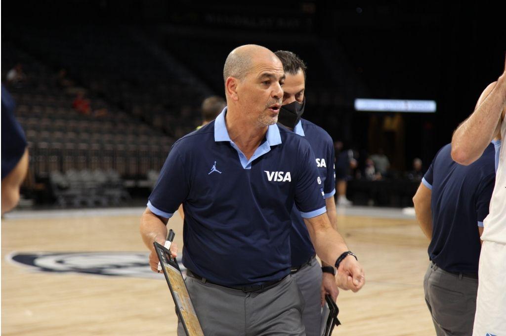 Sergio ´´Oveja´´ Hernández, entrenador de la selección argentina de básquet. Crédito: Prensa CABB