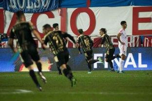 Clásico uruguayo: Peñarol venció a Nacional en el Parque Central por la ida de los octavos de final