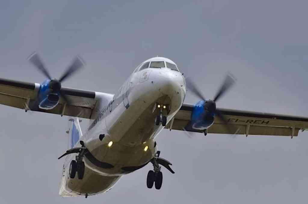 A bordo de la aeronave se encuentran 17 personas, incluidos cuatro niños y tres miembros de la tripulación. Crédito: Imagen ilustrativa