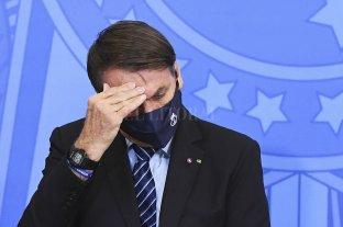 """Bolsonaro """"evoluciona satisfactoriamente"""", pero seguirá internado"""