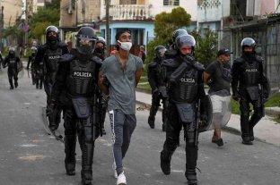 Cuba: denuncian más de 400 detenciones desde el inicio de las protestas