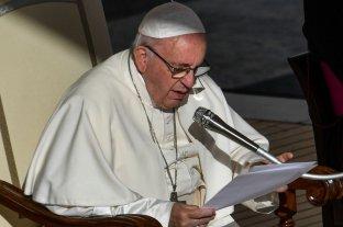 """El papa Francisco llama al """"diálogo y la solidaridad"""" en Cuba"""