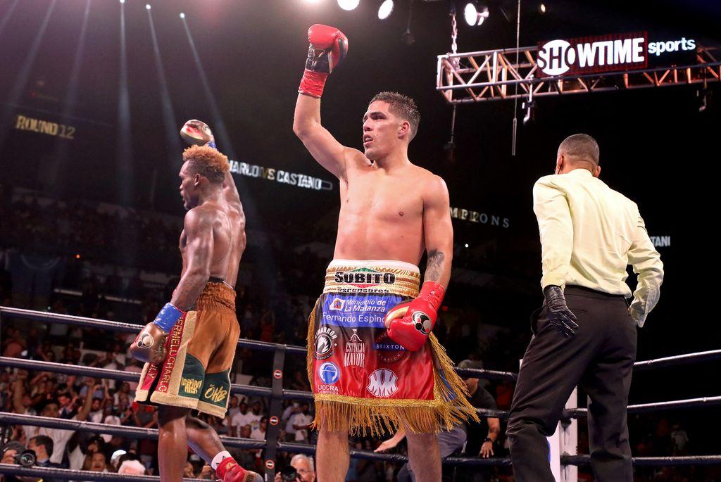 Castaño y Charro protagonizaron un gran combate, en el afamado AT&T Center de San Antonio, en el estado de Texas. Crédito: Télam