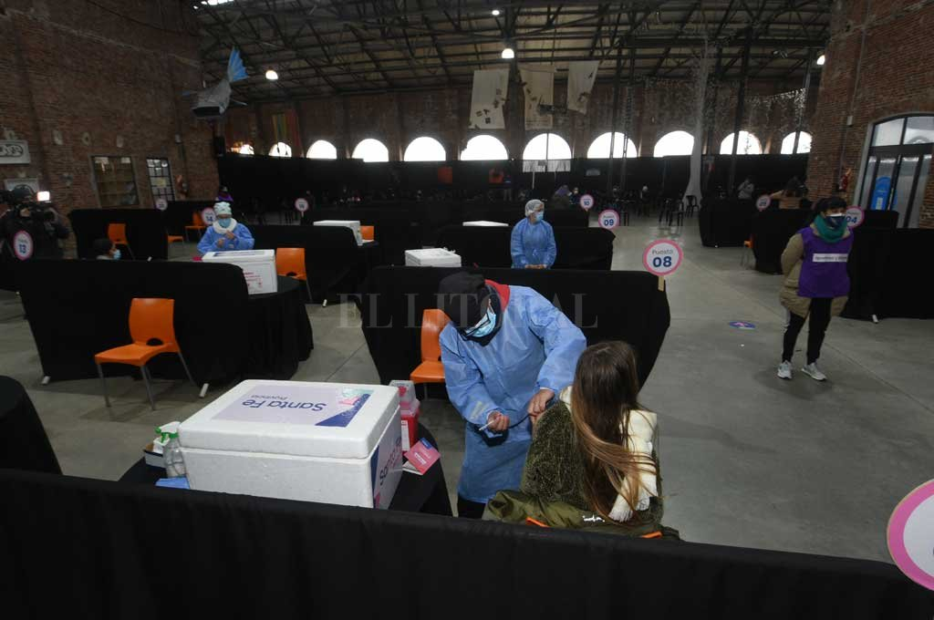 La Redonda ya es un centro de vacunación Crédito: Flavio Raina
