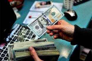 """Dólar hoy: abrió el viernes estable y el """"blue"""" se vende a $ 180"""