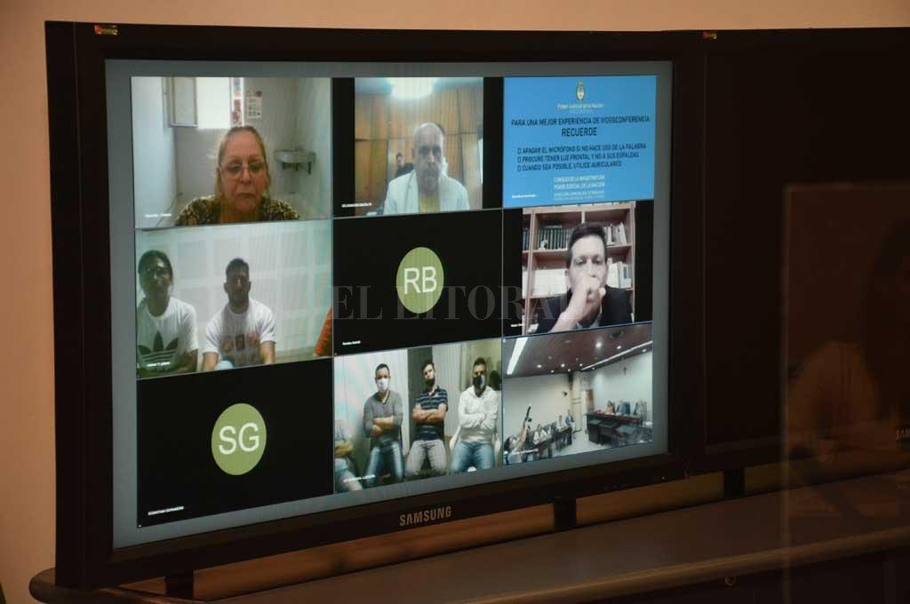 Durante el juicio, que terminó este año, González y el resto de los imputados siguieron las audiencias a través de videoconferencia. Crédito: Archivo El Litoral / Flavio Raina