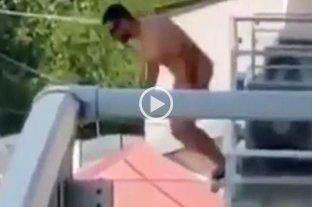 Video: se arrojó desnudo desde un tercer piso para evitar ser descubierto por la pareja de su amante