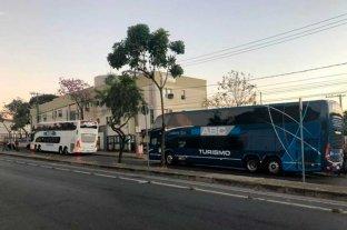 Boca pasó la noche en los micros en la puerta de la comisaría de Belo Horizonte