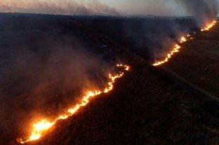 Pánico en Córdoba por un descomunal incendio entre la capital y Villa Carlos Paz