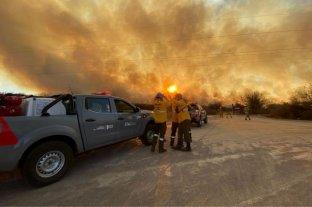 Buscan a 2 personas acusadas de iniciar el incendio en Córdoba