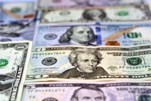 """Dólar hoy: el oficial abre estable y el """"blue"""" se vende a $ 183"""