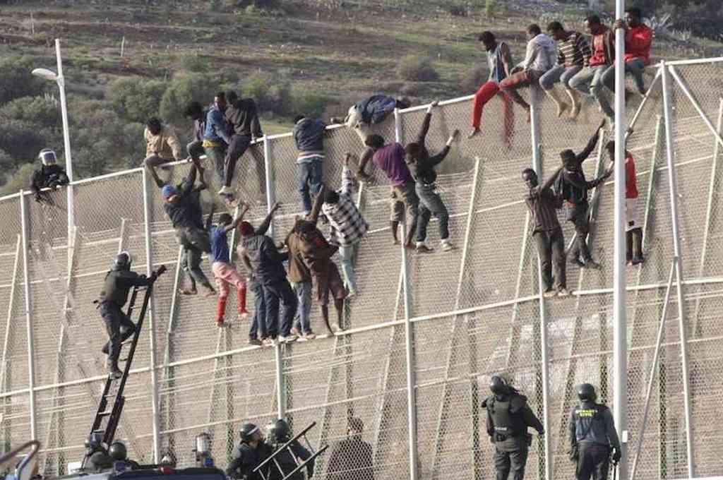 Cerca de 300 inmigrantes entraron en España saltando la valla de Melilla. Crédito: Gentileza