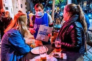 """La campaña """"Vacunate, amigo"""" se extiende a los barrios en Rosario"""