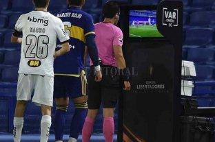 Escandalosa eliminación de Boca en Brasil