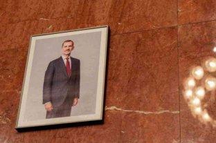 Por orden judicial la imagen del Rey de España fue repuesta en el Ayuntamiento de Barcelona