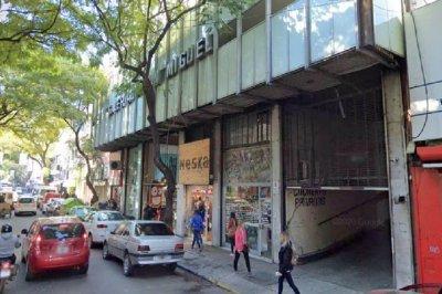 Roban oficinas de una galería céntrica en Rosario