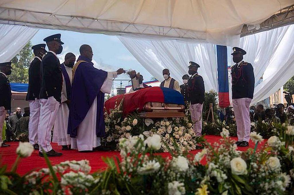 Haití: violentas protestas opacan el funeral del presidente Jovenel Moise -  -