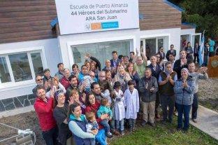 Una escuela lleva en su nombre un homenaje a los 44 héroes del ARA San Juan