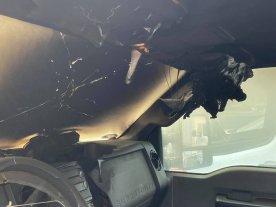 Viral: un rayo cayó sobre un auto y lo derritió por dentro
