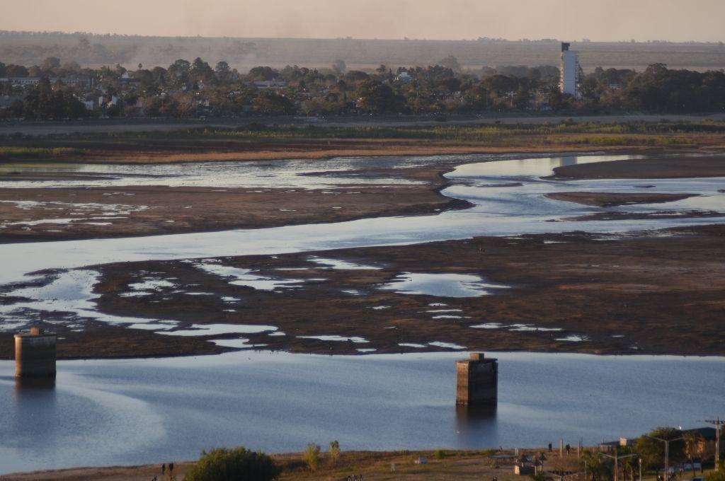 Decretan emergencia hídrica para Santa Fe por la bajante del río Paraná -  -