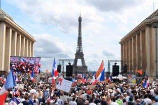 El Parlamento francés aprueba el pase sanitario y avanza la vacunación contra el coronavirus
