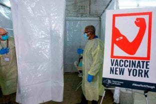 En medio de un aumento de casos, el alcalde de Nueva York intenta fomentar la vacunación