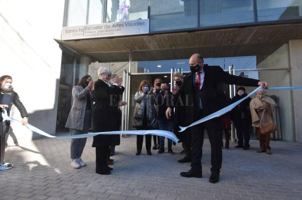 El gobernador inauguró el anexo de la escuela de Artes Visuales